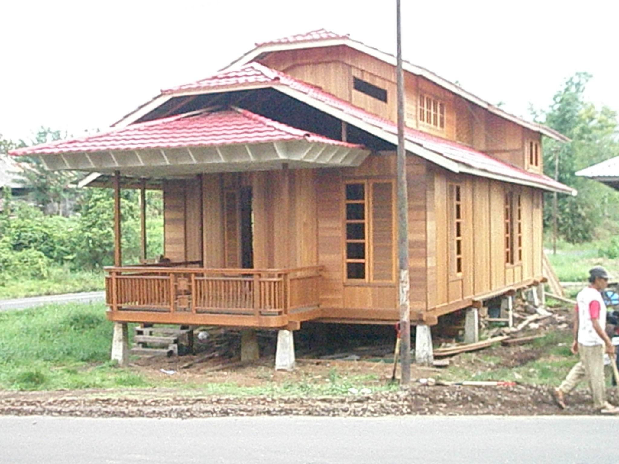 rumah kayu woloan manado kuat anti rayap tahan lama